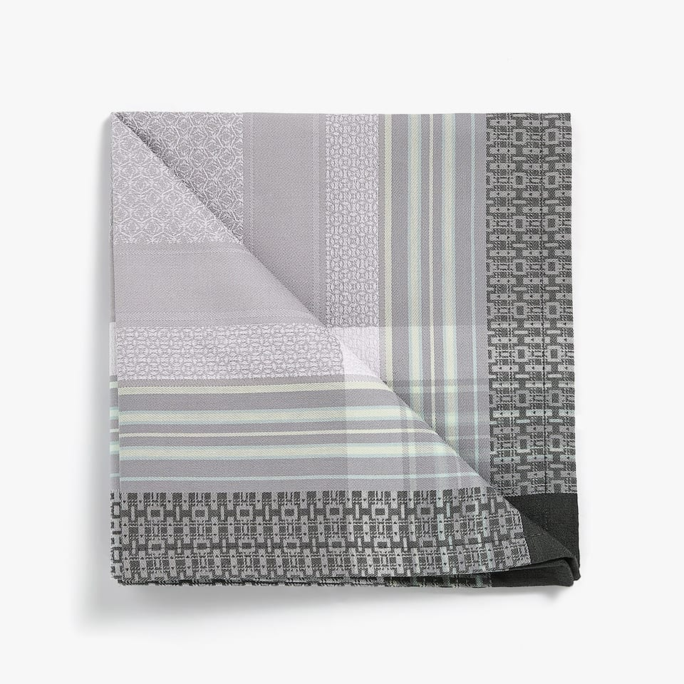 MULTICHECK JACQUARD NAPKIN (PACK OF 4)