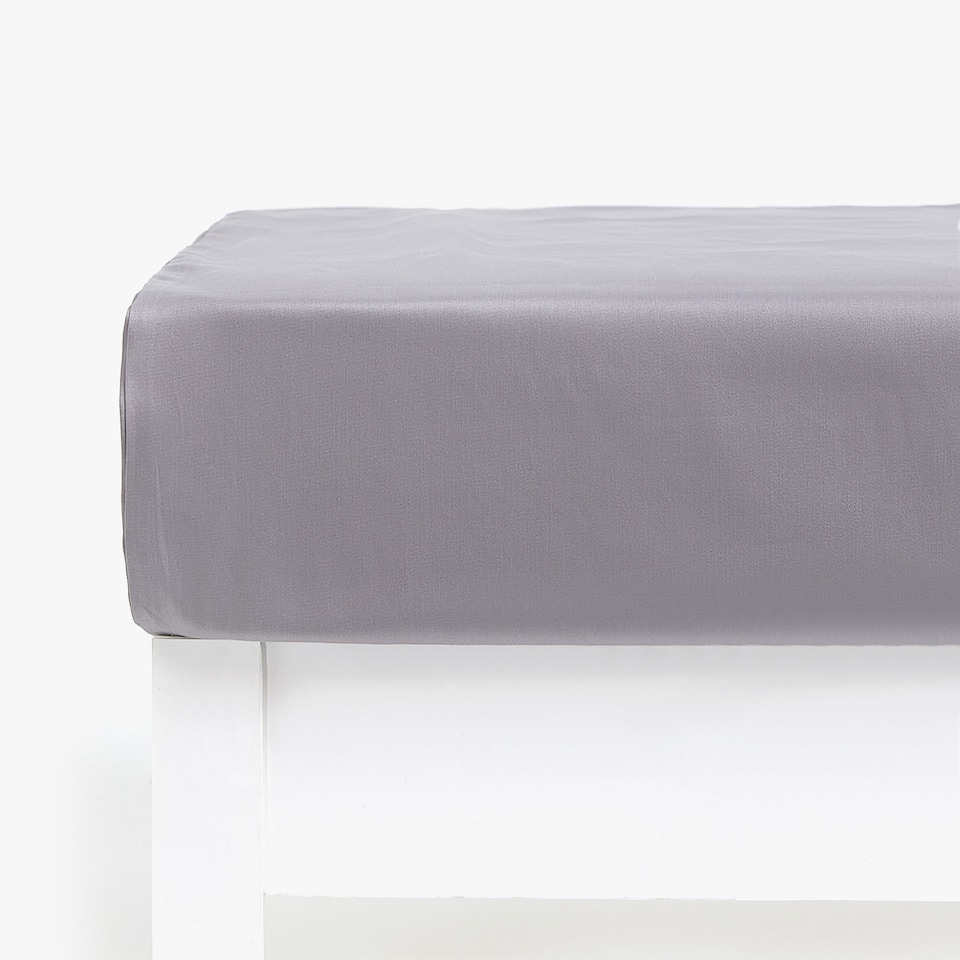 COTTON SATEEN FITTED SHEET (MATTRESSES OF UP TO 28 CM THICK)