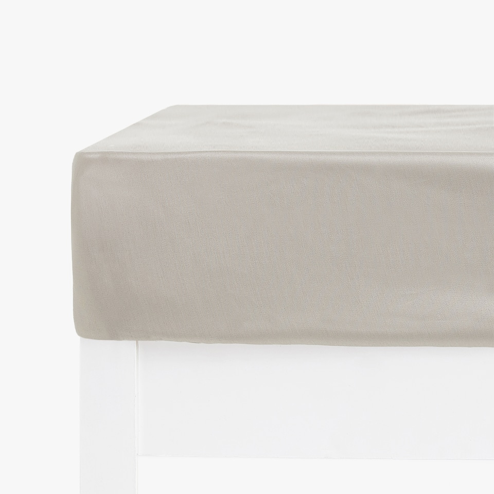 COTTON SATEEN FITTED SHEET (MATTRESSES OF UP TO 40 CM THICK)