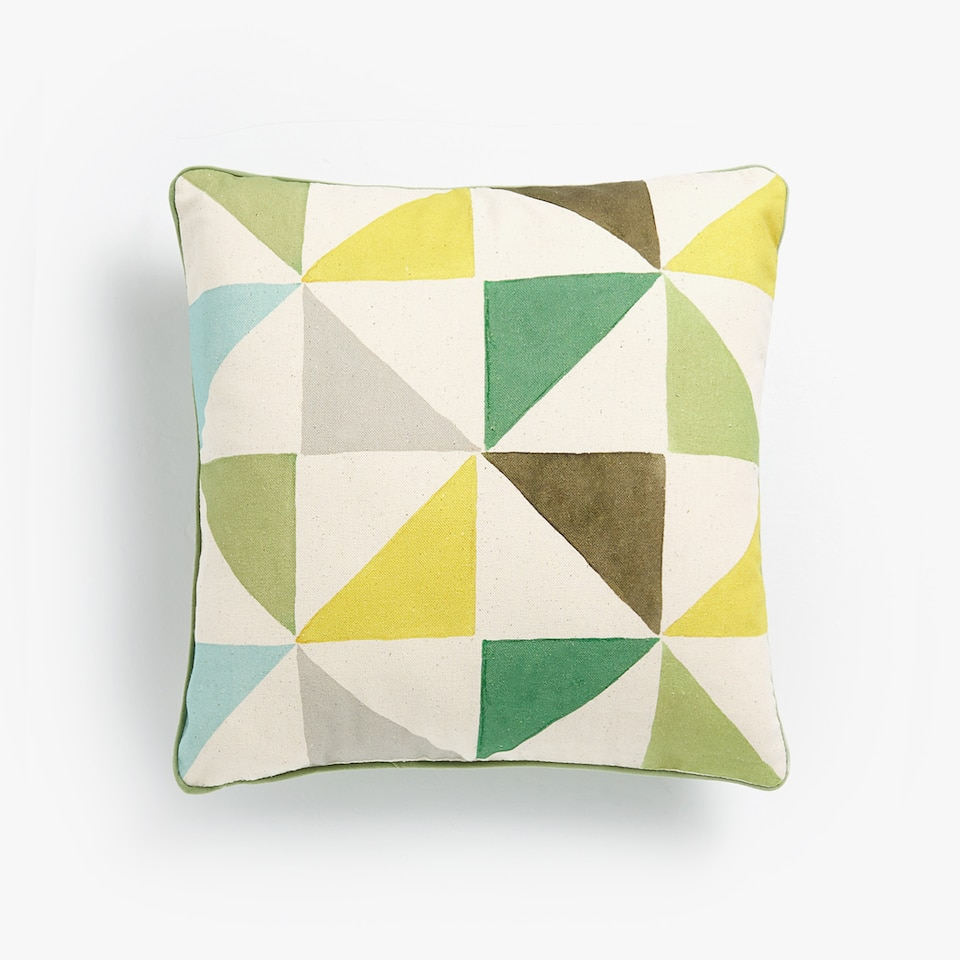 CONTRASTING GEOMETRIC CUSHION COVER