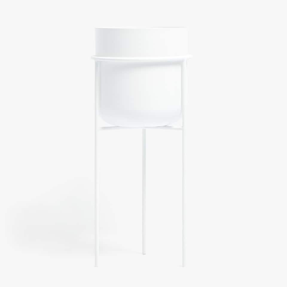 WHITE PLANTER WITH A METAL STAND