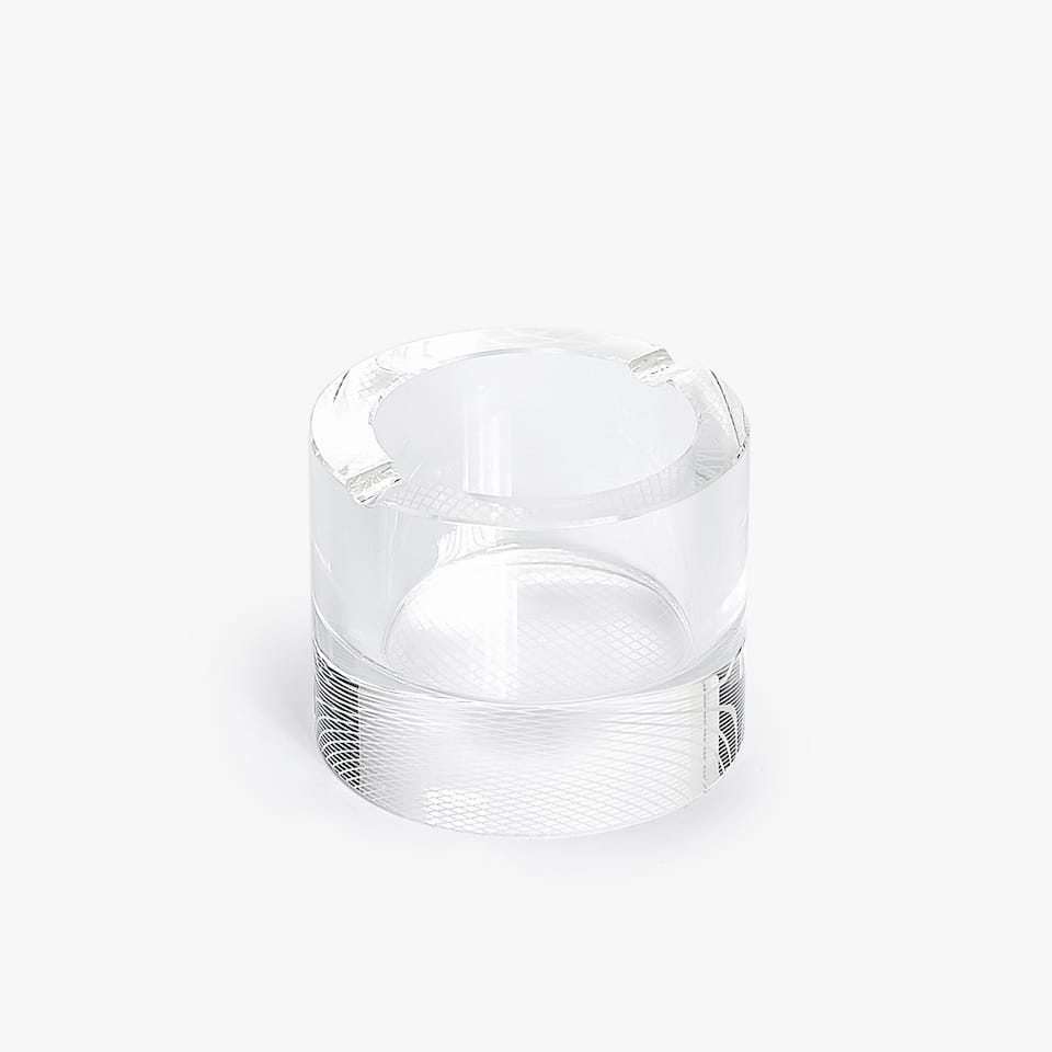 GLASS ASHTRAY WITH LINEAL BASE