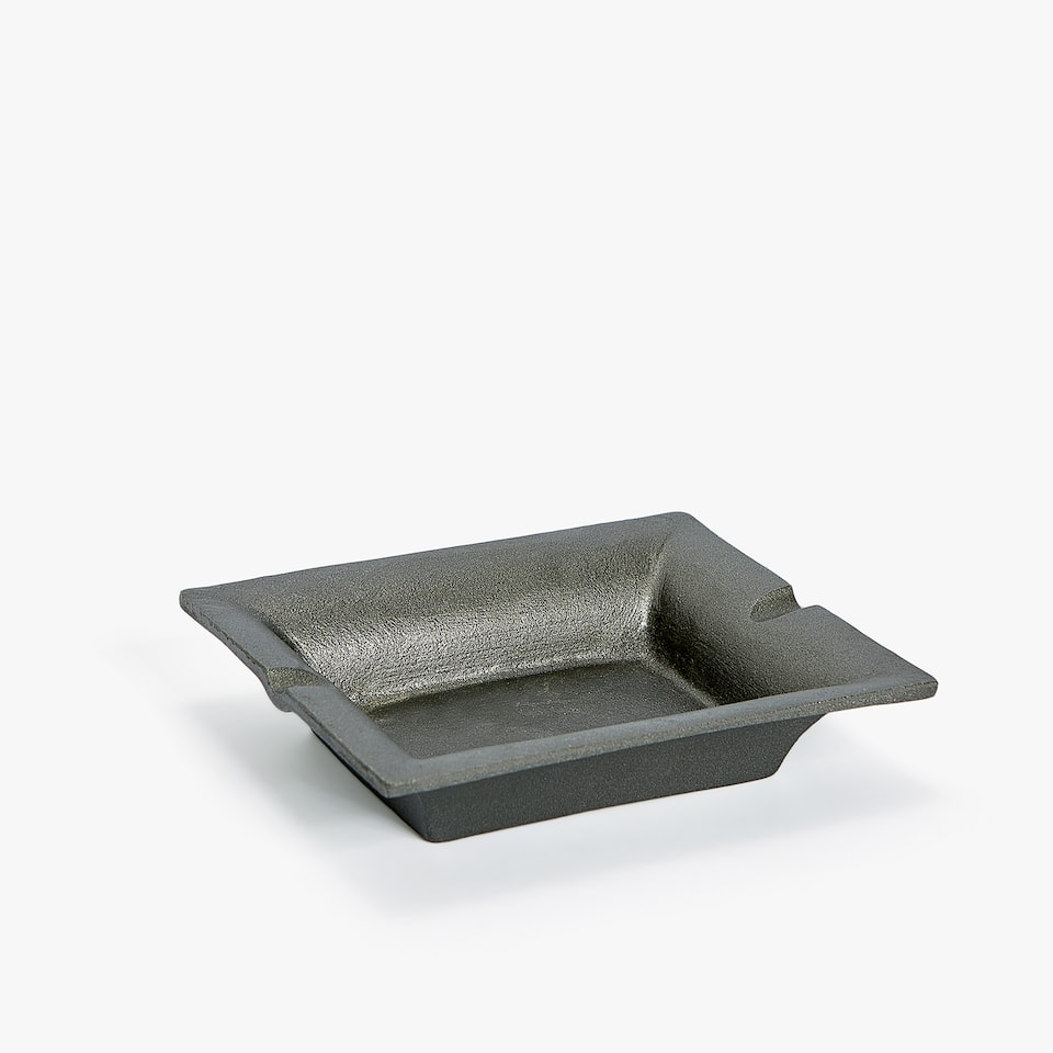 MATTE IRON ASHTRAY