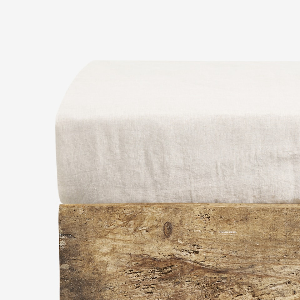 NATURAL-COLOUR LINEN FITTED SHEET