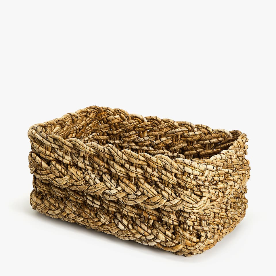 PLAITED LOW BASKET