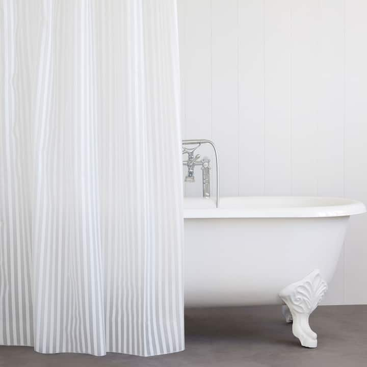 Image Of The Product STRIPED SHOWER CURTAIN