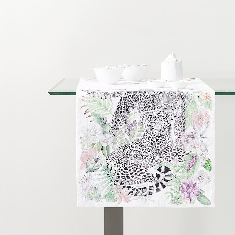 JACQUARD JUNGLE PRINT TABLE RUNNER