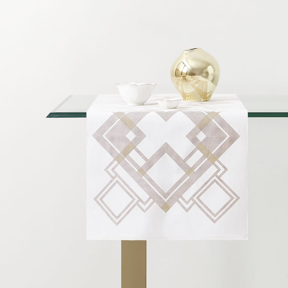 GEOMETRIC PRINT TABLE RUNNER