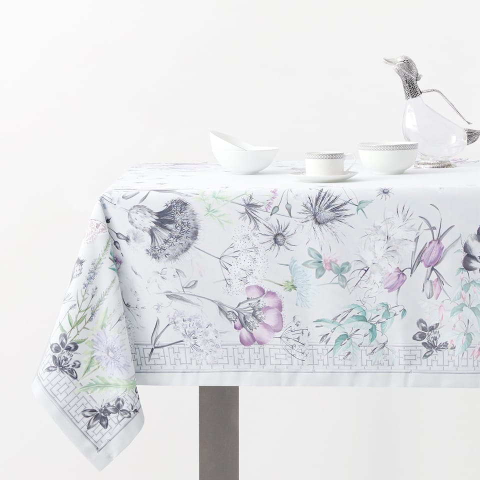 WILD PRINT TABLECLOTH