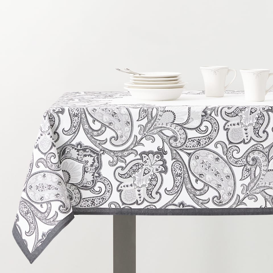 PAISLEY PRINT TABLECLOTH