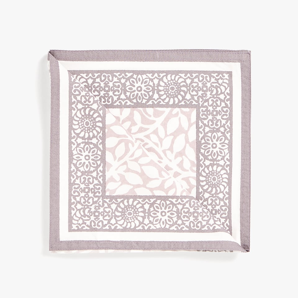 LEAVES PRINT NAPKIN (PACK OF 4)