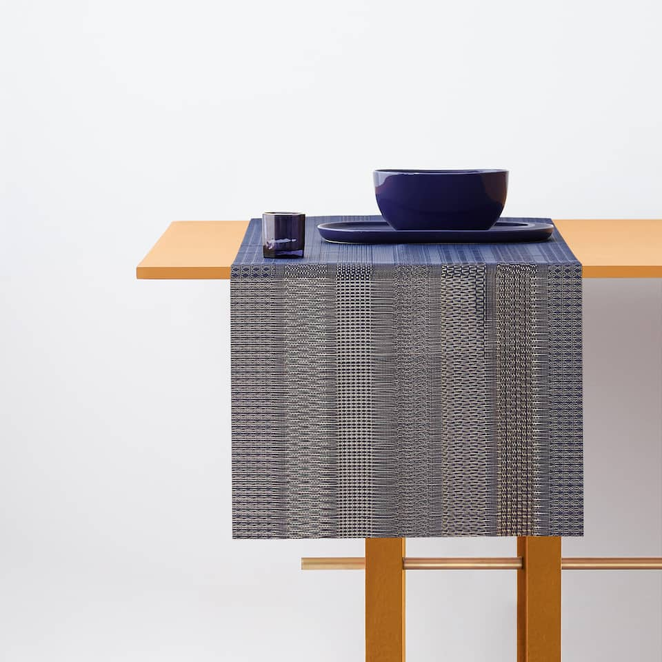 TEXTURED STRIPED TABLE RUNNER