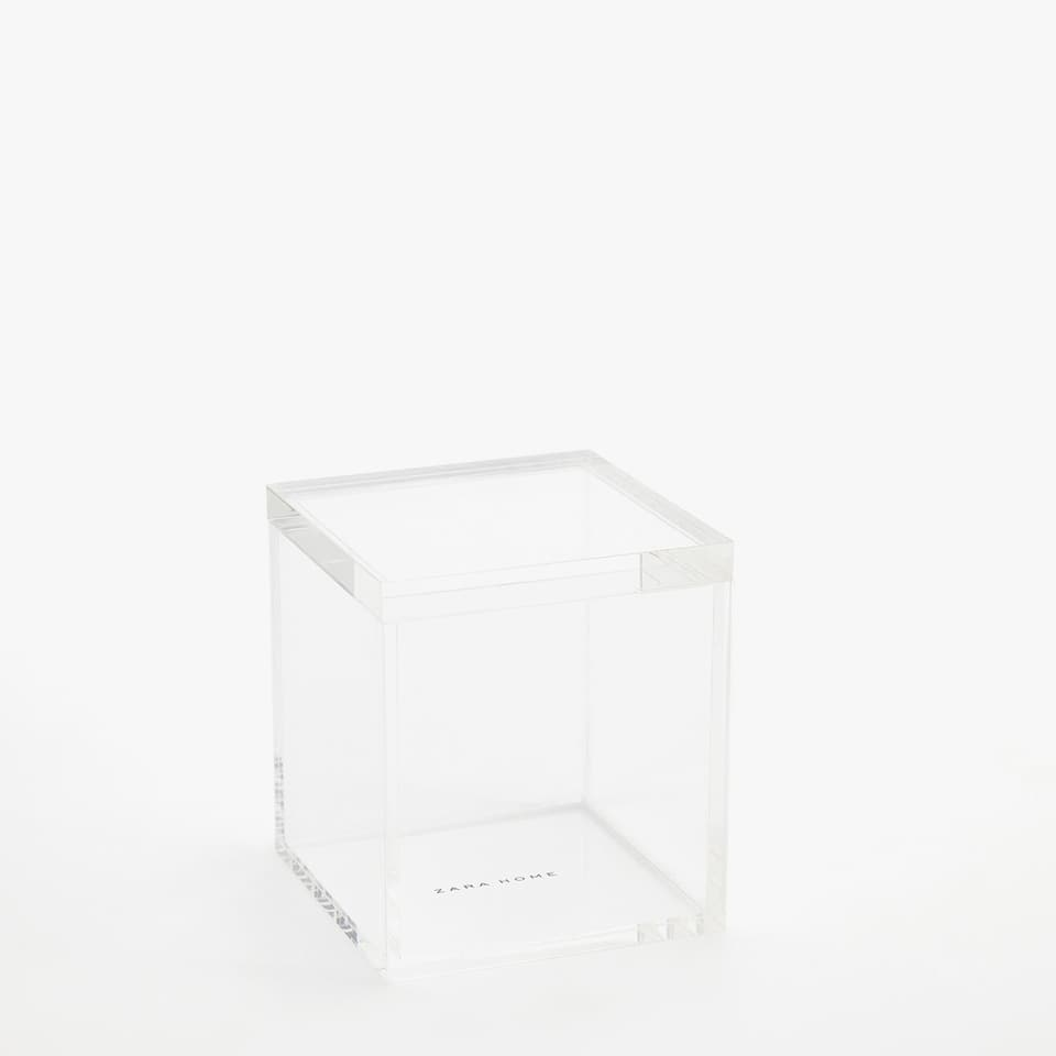 TRANSPARENT ACRYLIC JAR