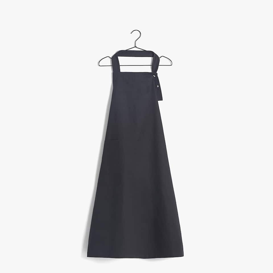 BLACK COTTON APRON