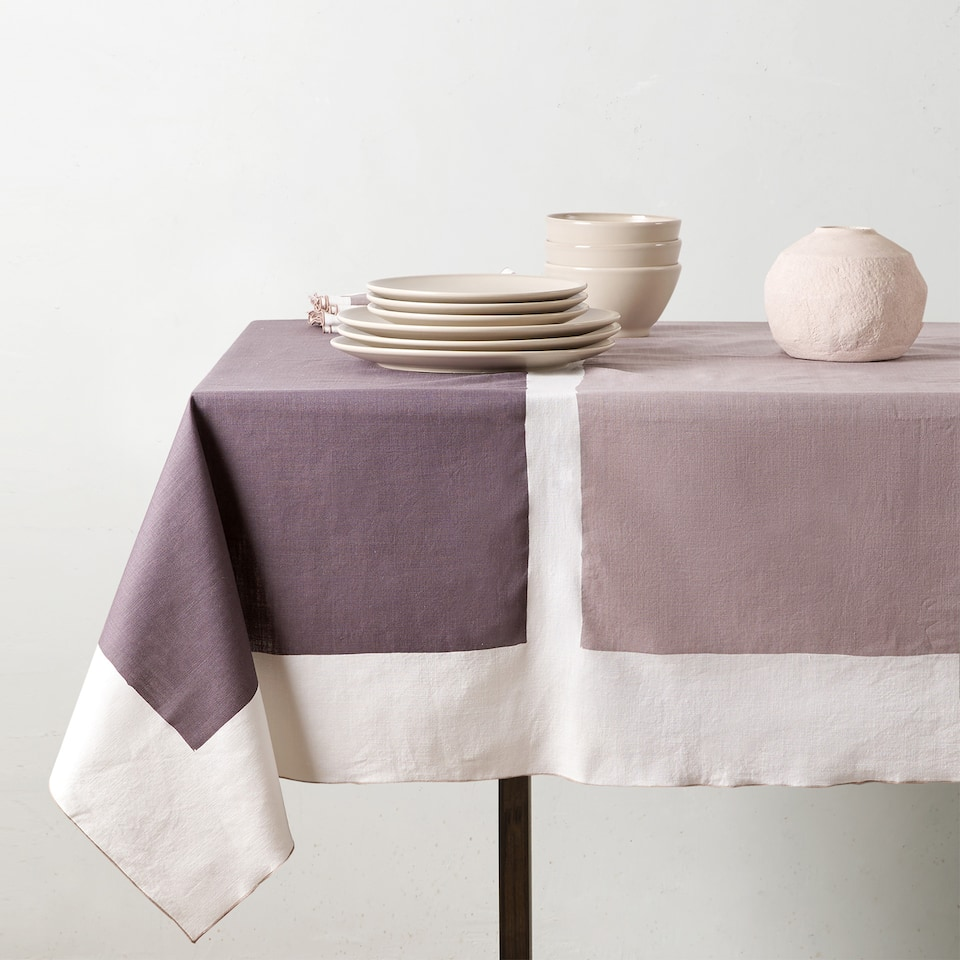 COLOUR BLOCK TABLECLOTH