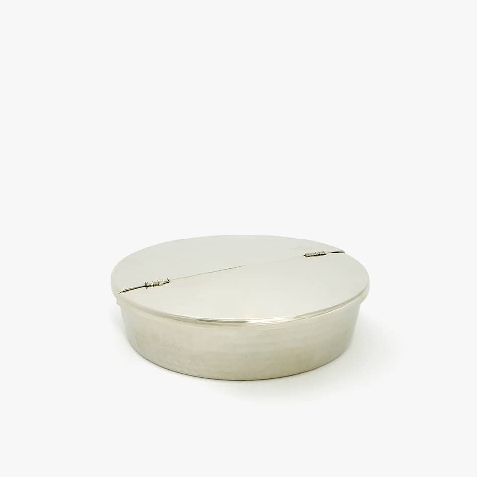 HAMMERED TRAVEL ASHTRAY