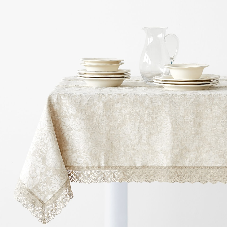 LINEN TABLECLOTH WITH LACE TRIM