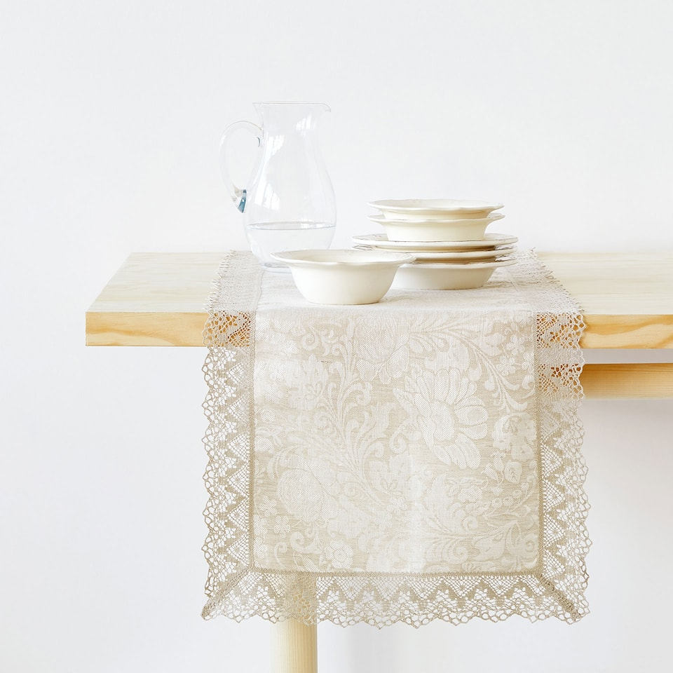 LINEN TABLE RUNNER WITH LACE TRIM