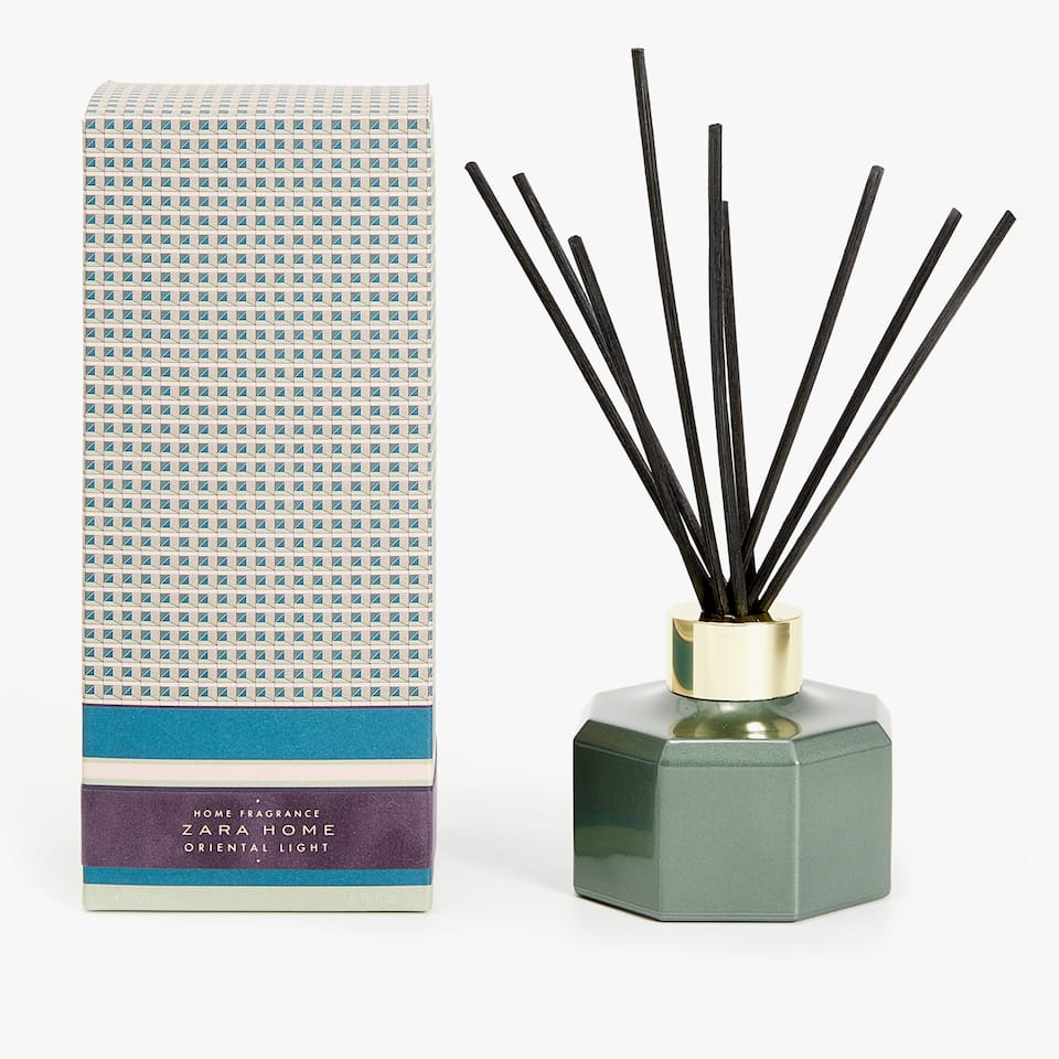 AMBIENTADOR EM STICKS ORIENTAL LIGHT (200 ML)