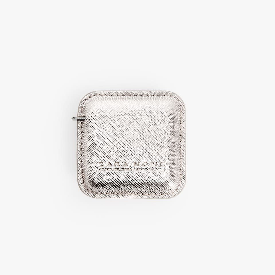 TEXTURED MEASURING TAPE CASE