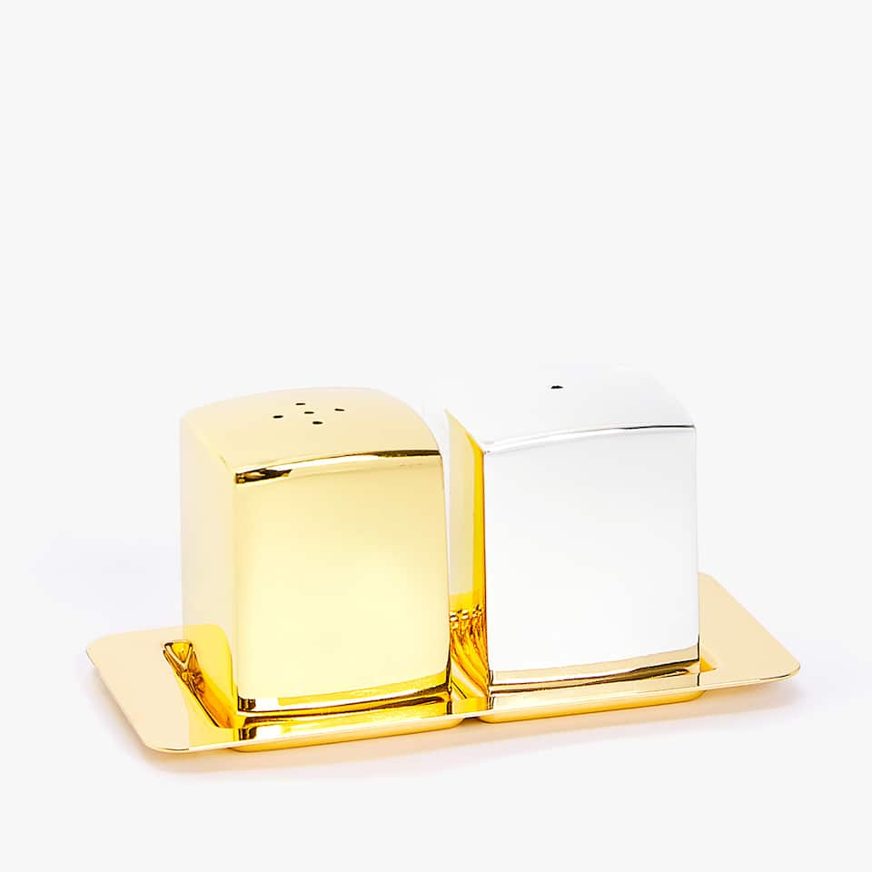 CUBE SALT SHAKER, PEPPER SHAKER AND TRAY (SET OF 3)