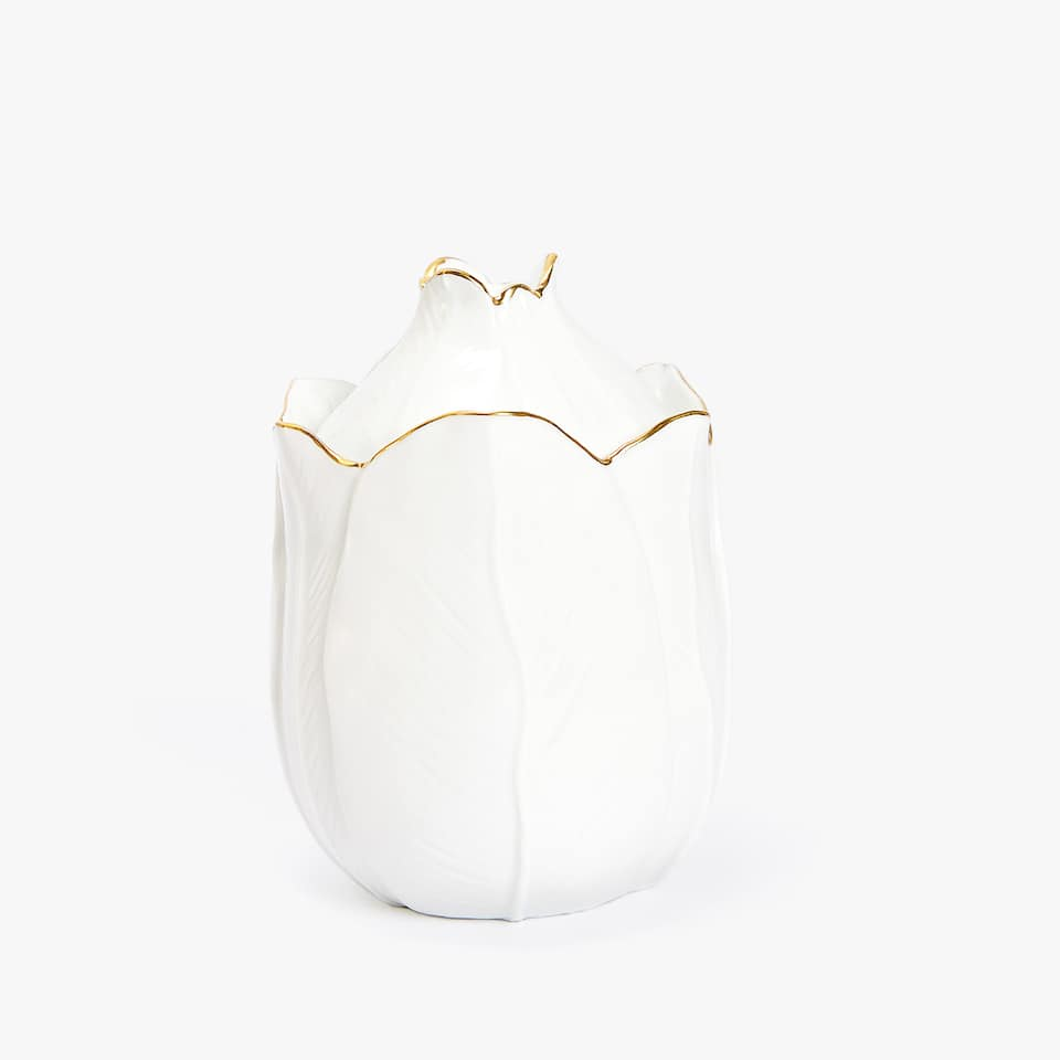 FLOWER-SHAPED GOLD-RIMMED PORCELAIN SUGAR BOWL