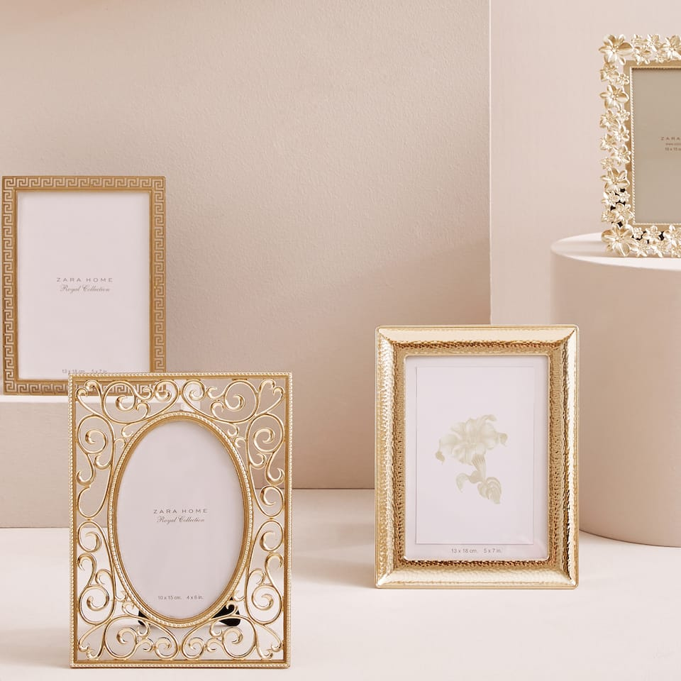 DECORATIVE GOLDEN FRAME