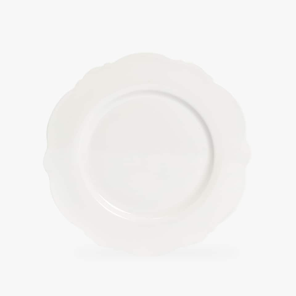WHITE PORCELAIN DINNER DISH