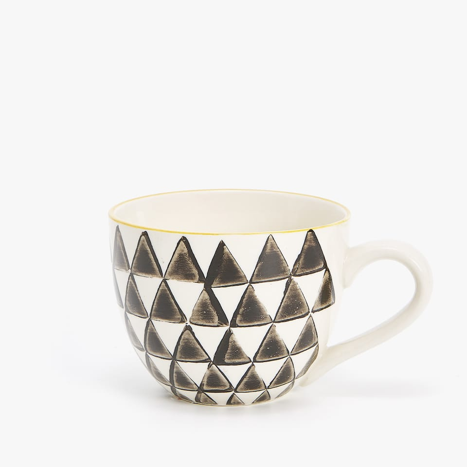 LARGE PORCELAIN MUG WITH GEOMETRIC DESIGN
