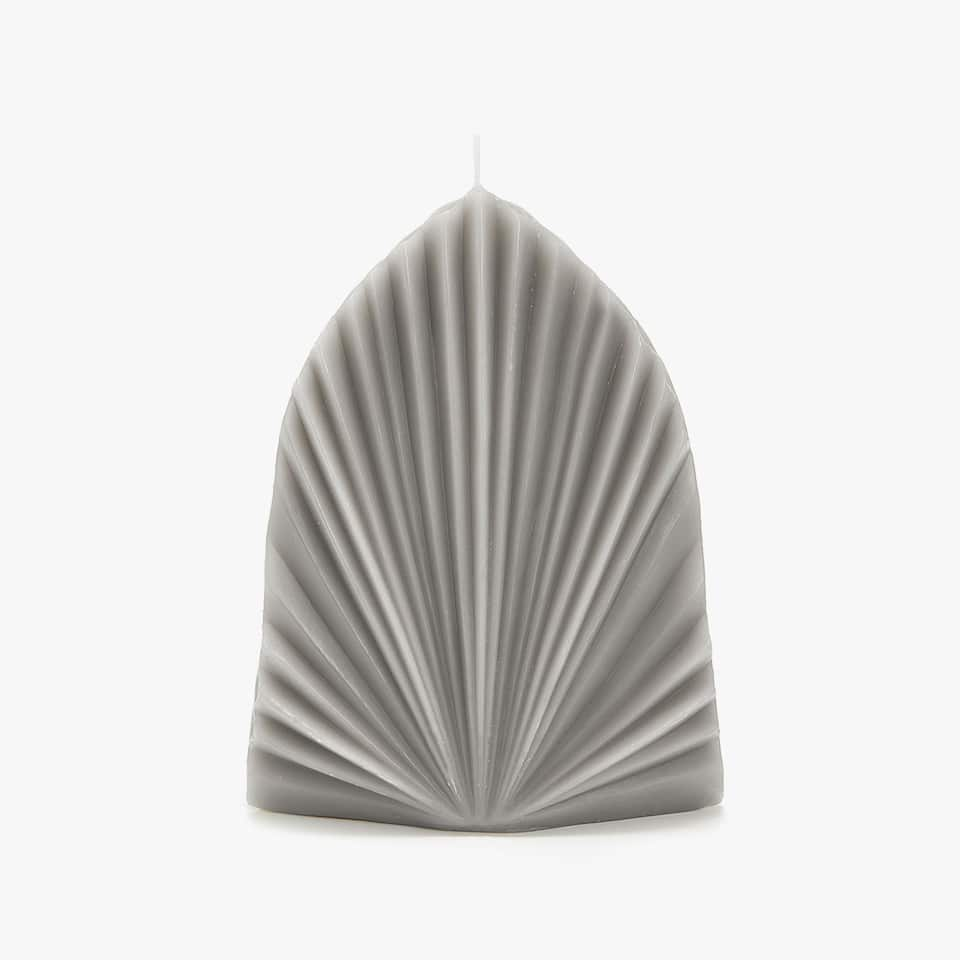 GREY PLEATED CANDLE