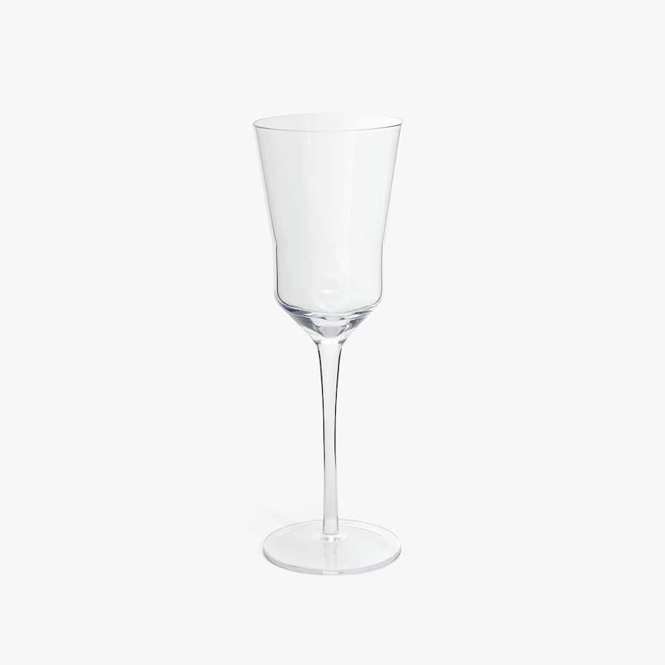 WINE GLASS WITH THICK BASE