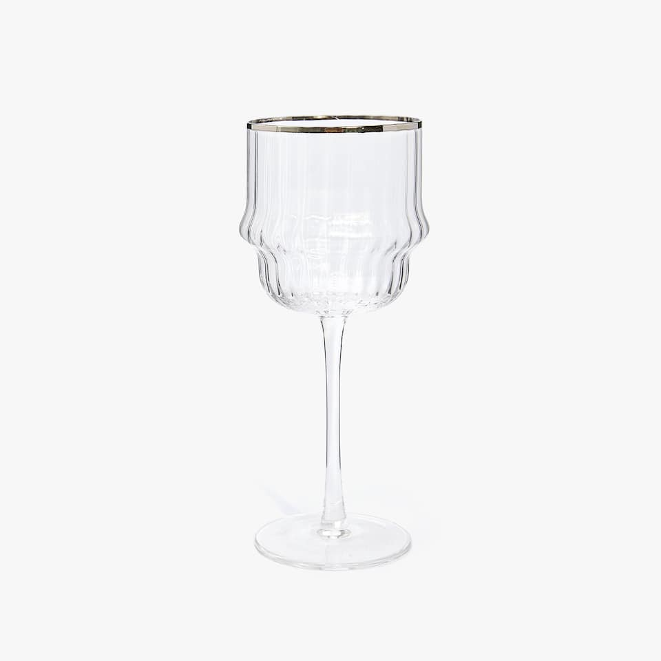 SCALLOPED EDGE WINE GLASS