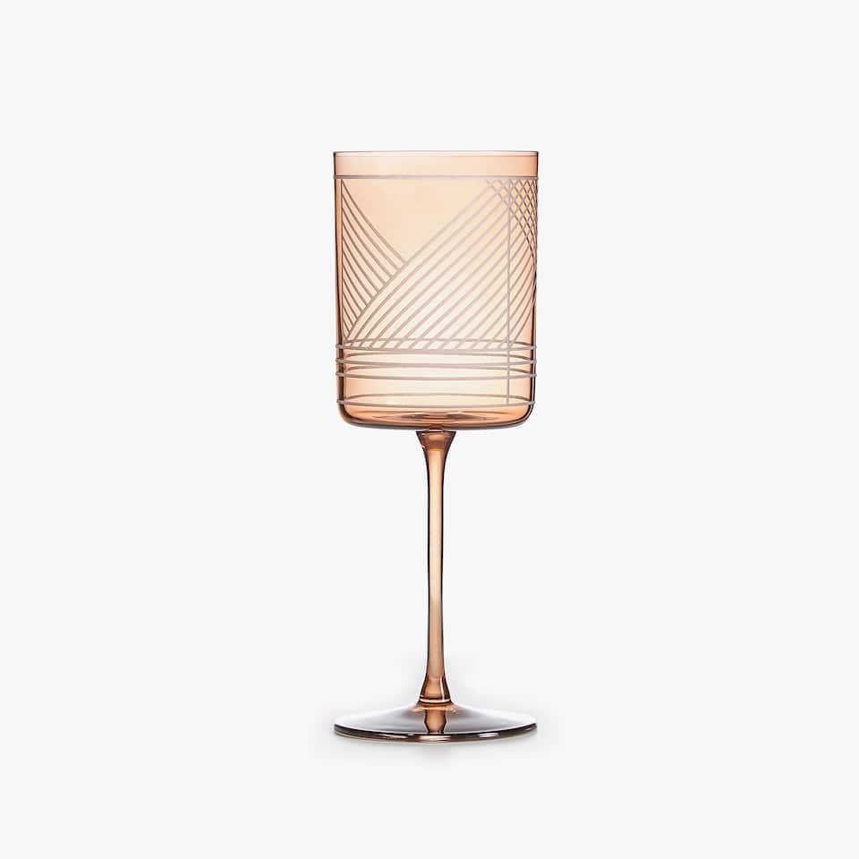 GEOMETRIC DESIGN WINE GLASS