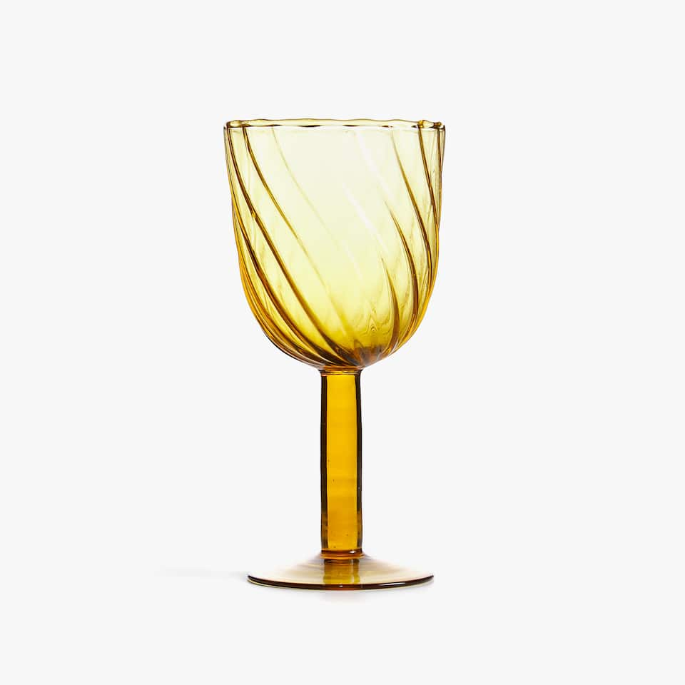 TWISTED WINE GLASS