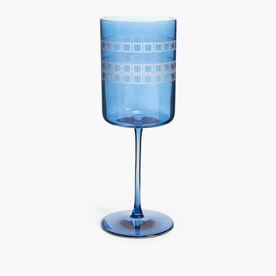 WINE GLASS WITH SQUARE PATTERN BORDER