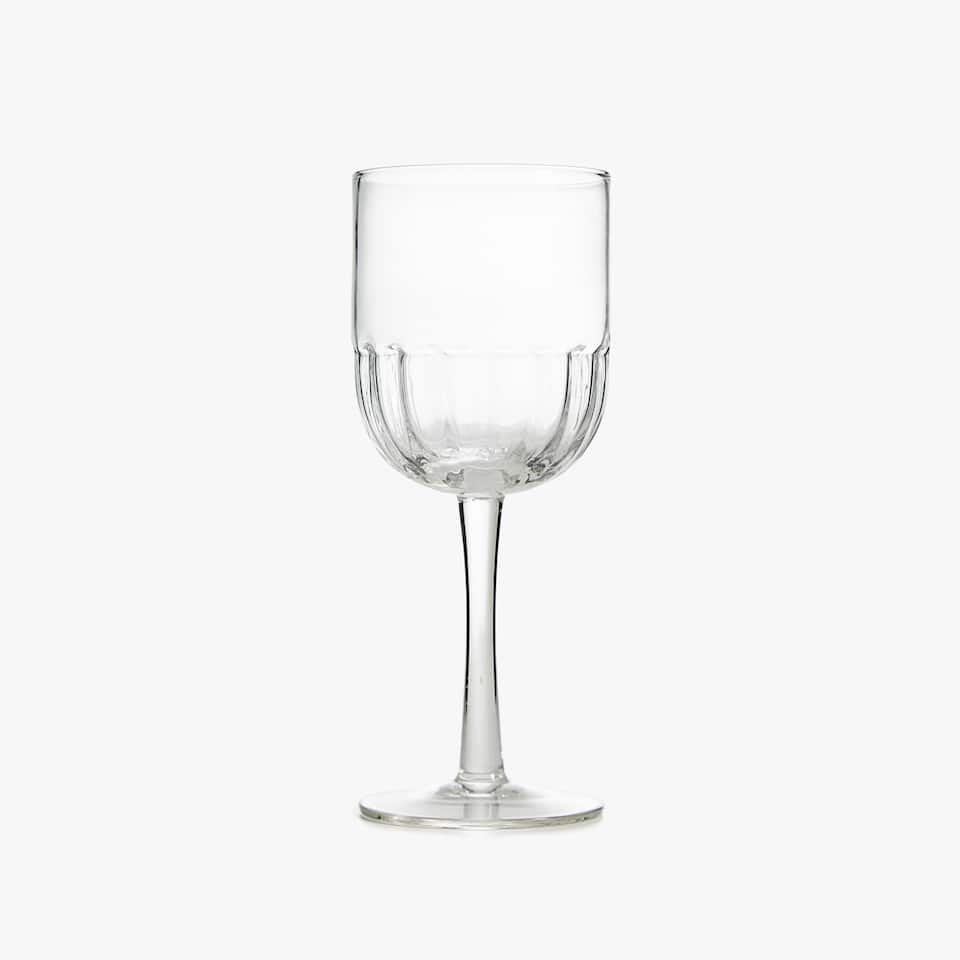 WINE GLASS WITH WAVY BASE