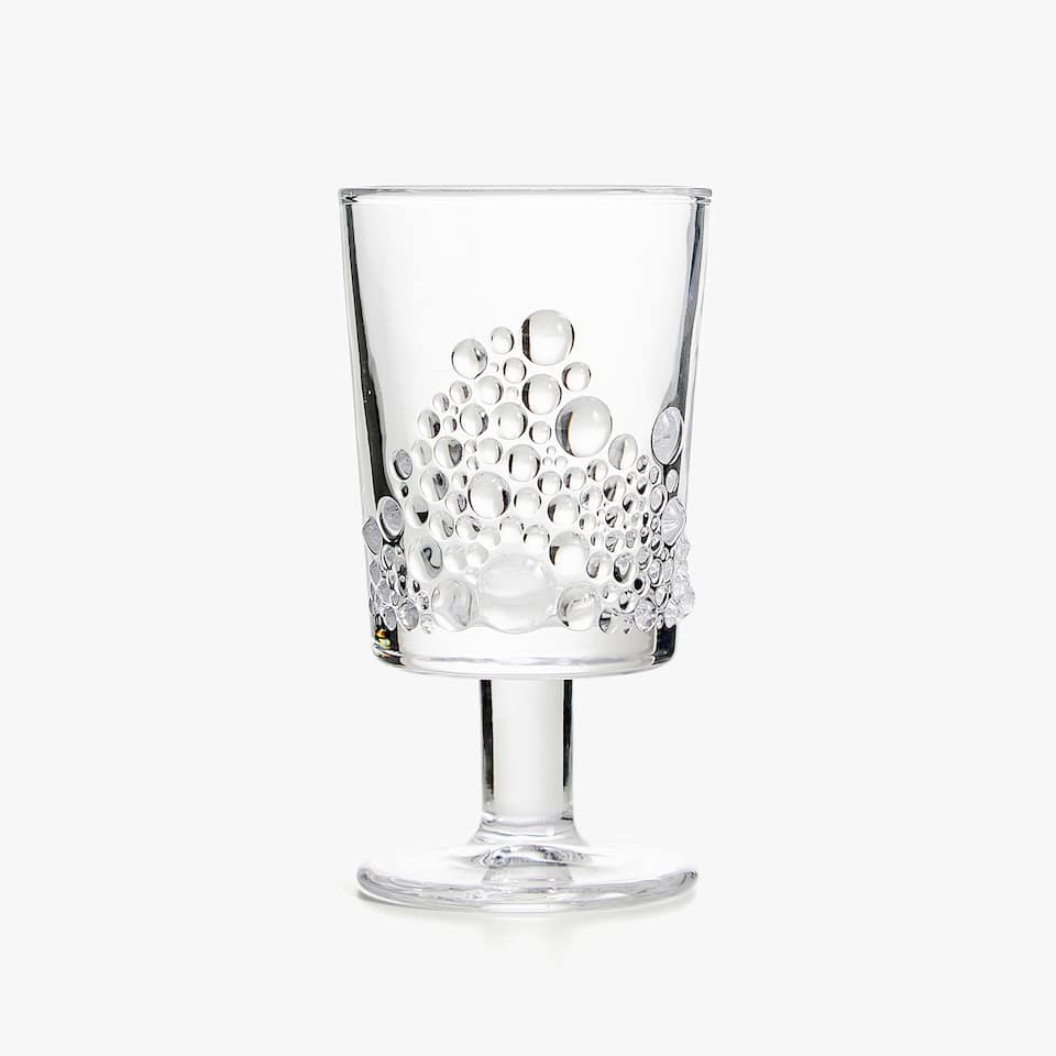 WINE GLASS WITH RAISED DESIGN BASE
