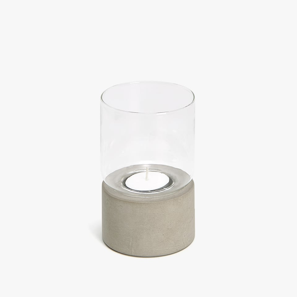 Candleholder with cement base
