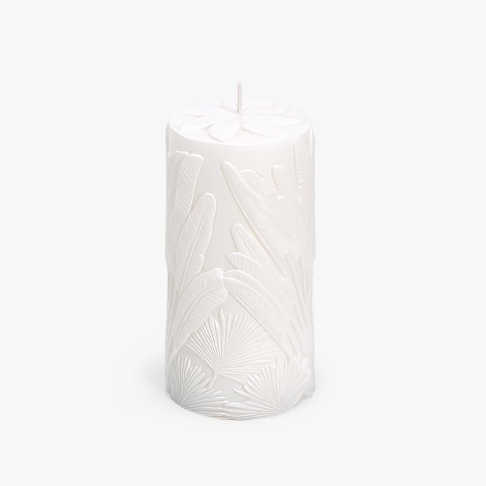 CANDLE WITH RAISED FEATHERS