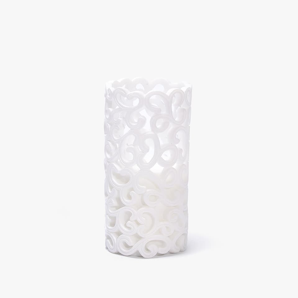 PERFORATED CYLINDRICAL CANDLE