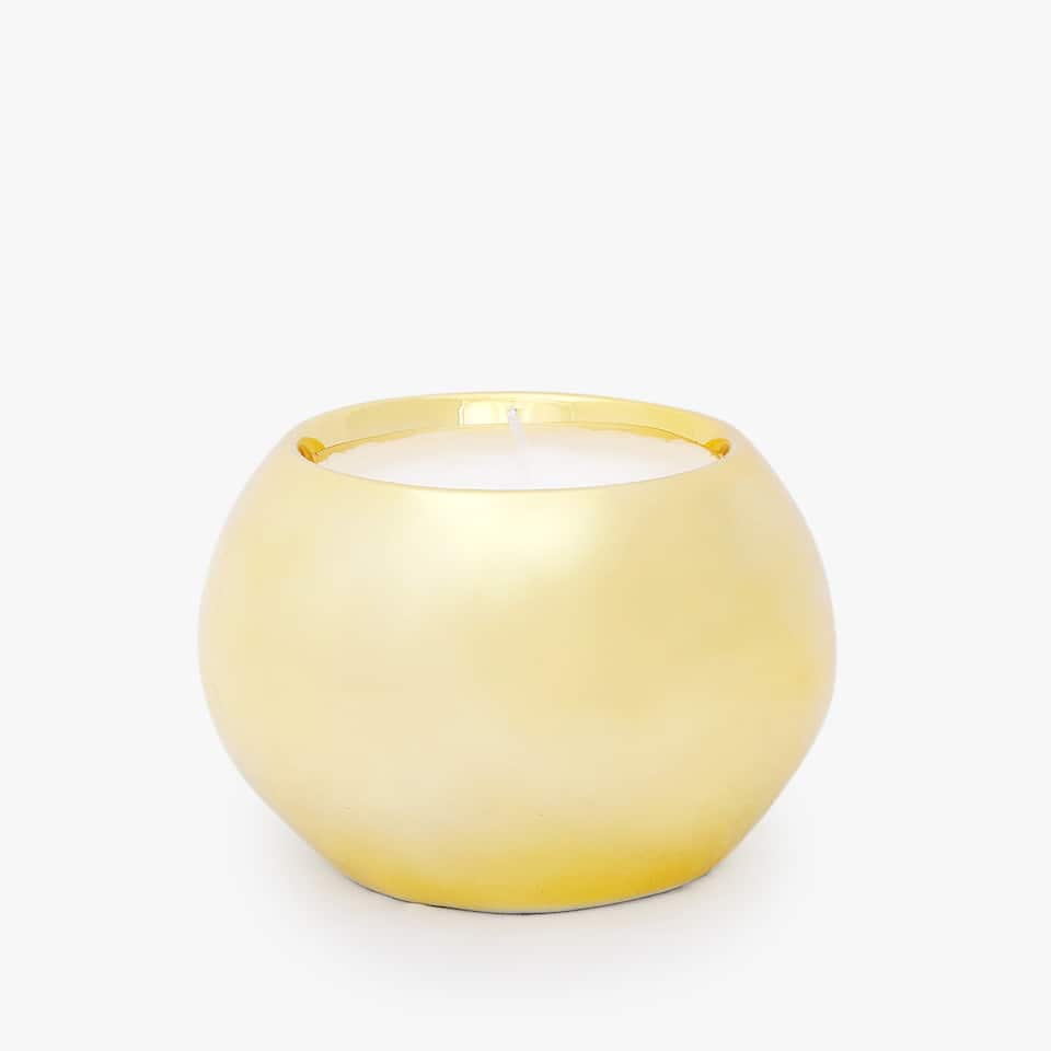 GOLDEN ROUND CANDLE HOLDER