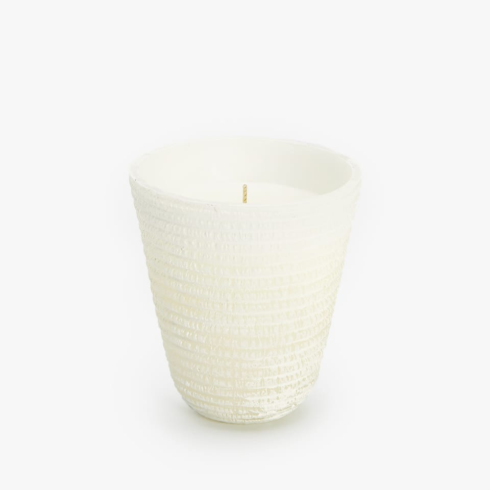 CANDLE HOLDER WITH RAISED STRIPES