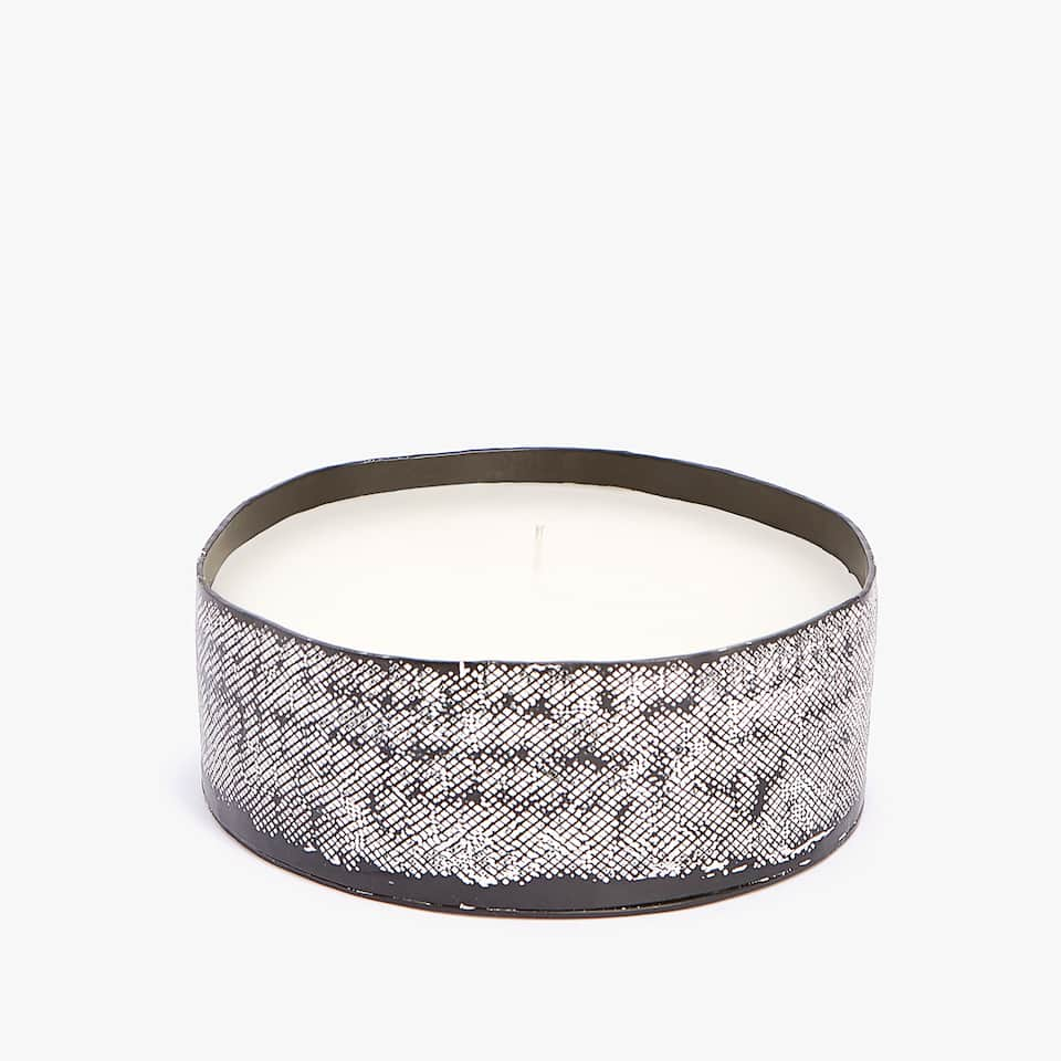TEXTURED CANDLE HOLDER