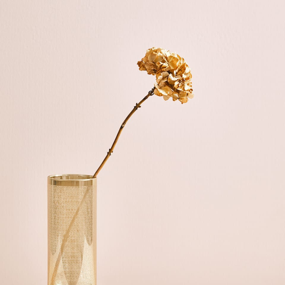 Golden pattern vase
