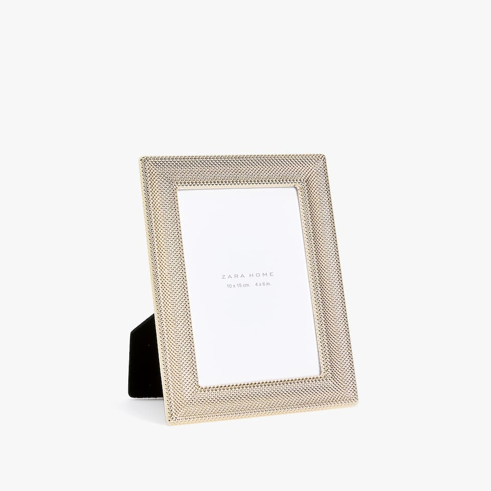 GOLDEN RAISED DESIGN METALLIC FRAME