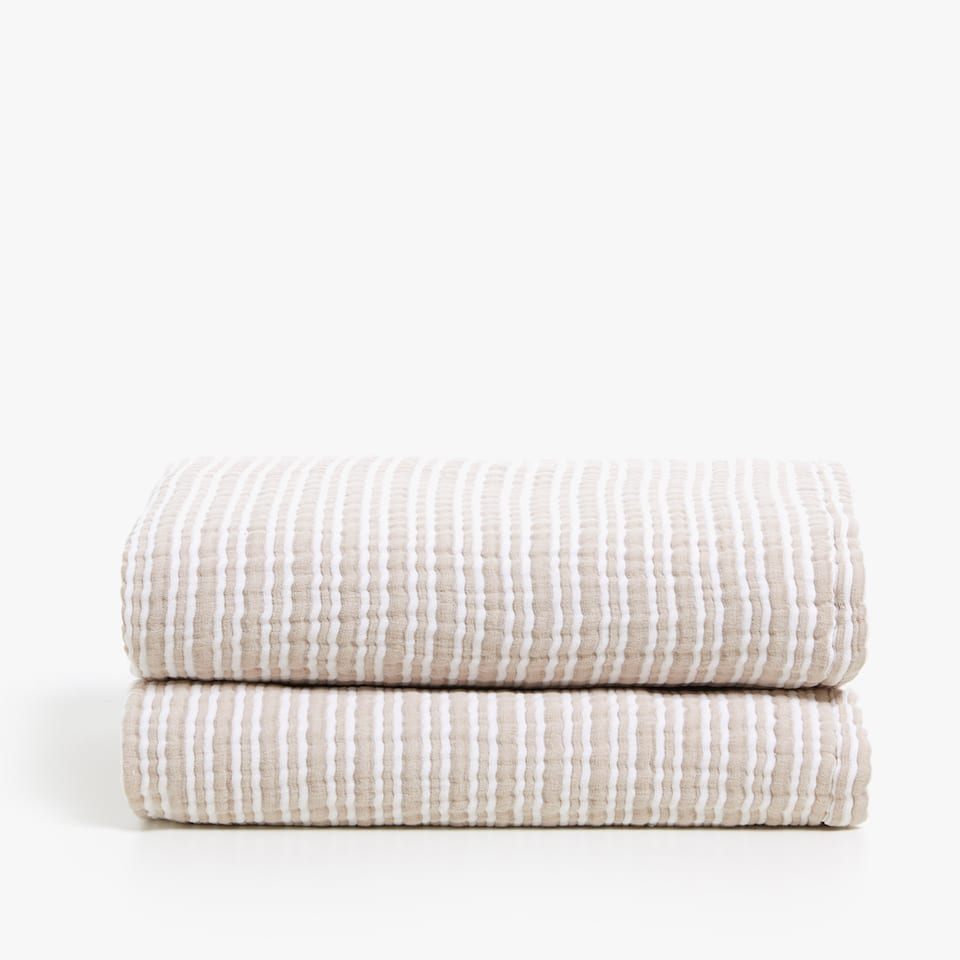 CONTRASTING STRIPED COTTON BEDSPREAD