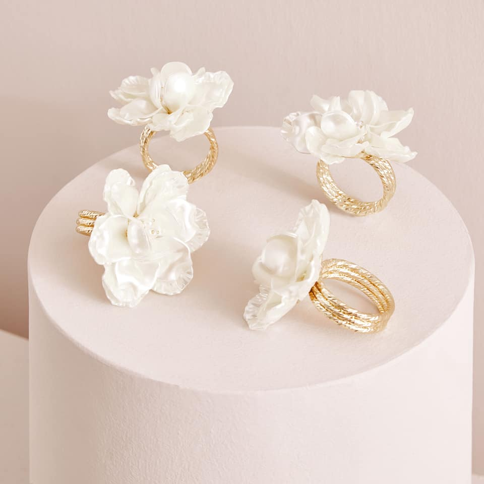 Floral napkin rings (set of 4)