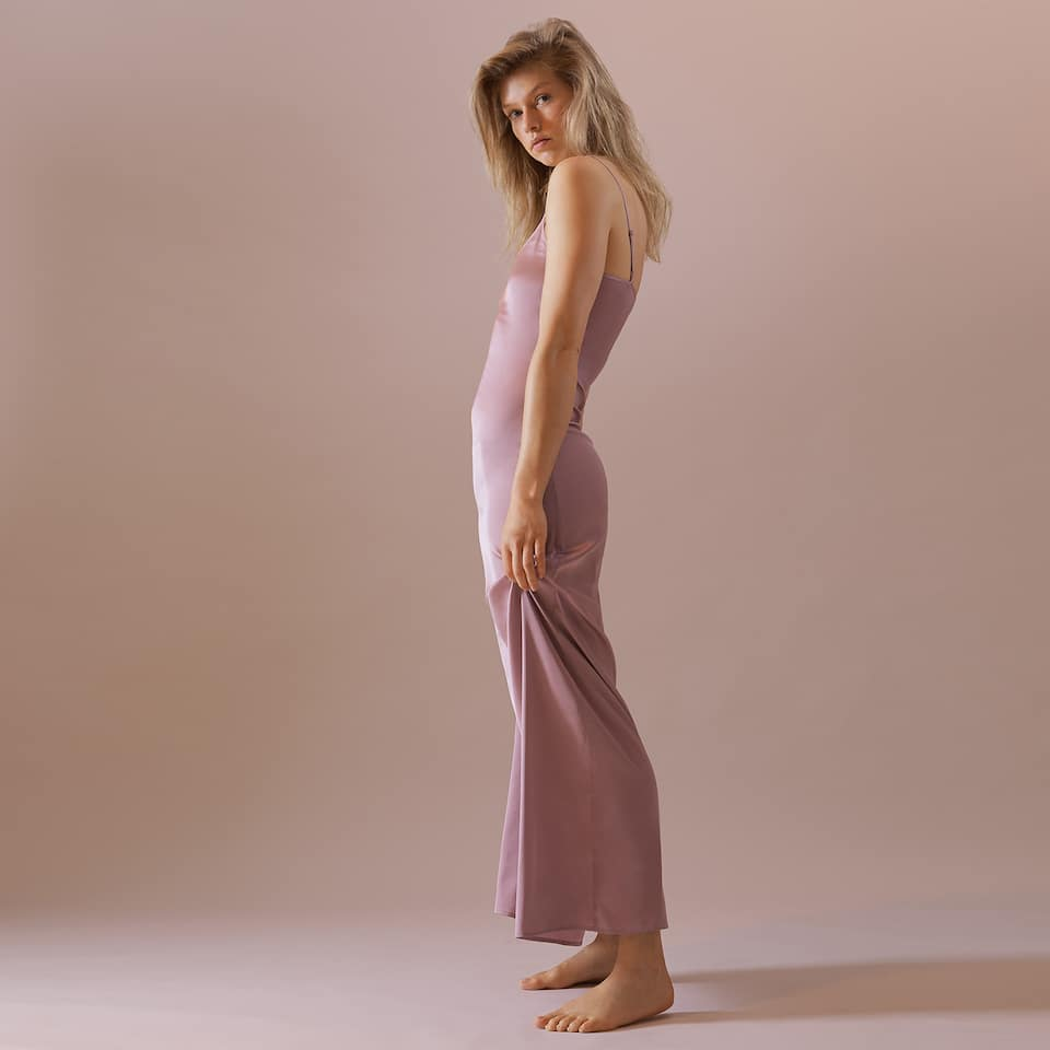LONG STRAPPY NIGHTDRESS
