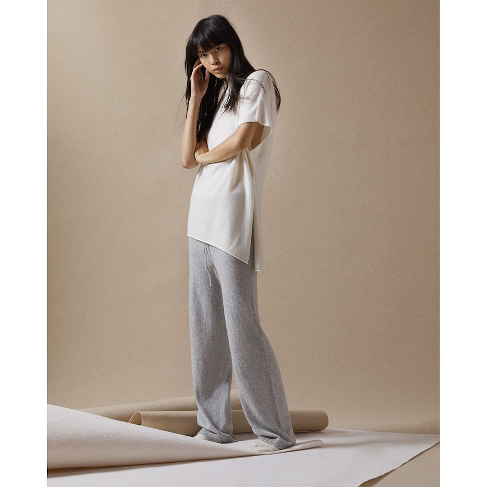 LOOSE-FITTING CASHMERE TROUSERS