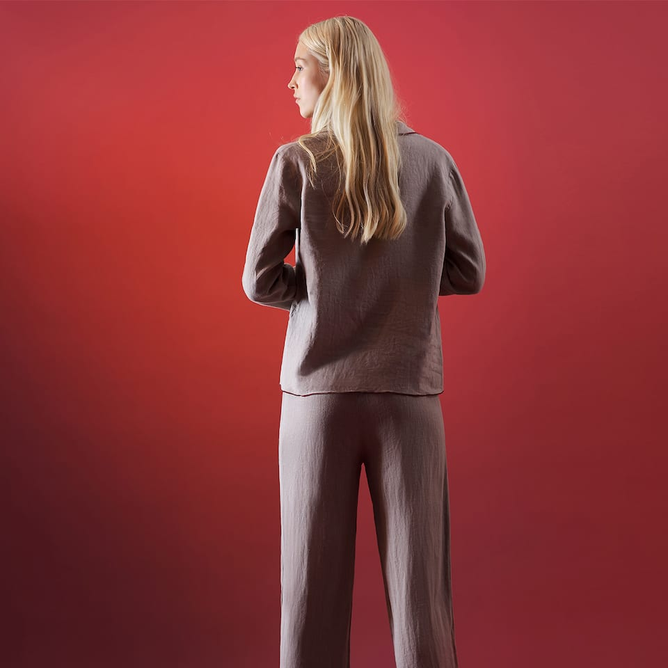LINEN PANTS WITH CONTRASTING PIPING